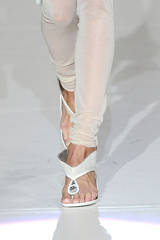 a pale turned to white - Marc Jacobs spring 2010