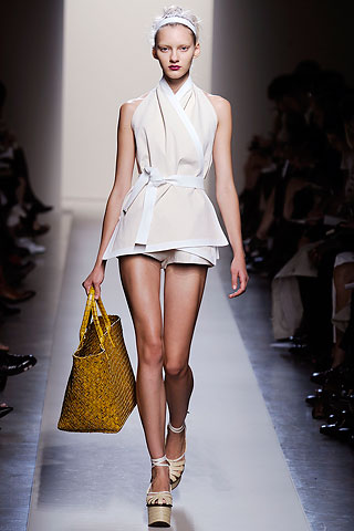 Bottega Veneta 2010 - the complete collection was based on pale colours and this piece is especially very elegant and feminine with a hint of a masculine wrap around karate style belt